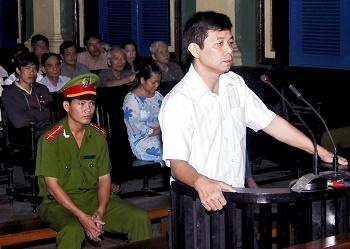 2010_vietnam_dock